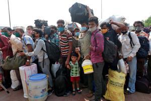 ลามฉุดไม่อยู่! อินเดียติดโควิดใหม่ทะลุ 200,000 คน รพ.โอดคนไข้ล้น ขาดทั้งเตียง-ออกซิเจน