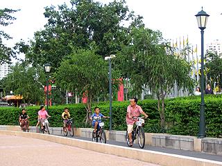 มีจักรยานให้เช่ามาขี่ออกกำลัง