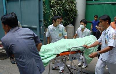 นำศพส่งสถาบันนิติเวชวิทยา โรงพยาบาลตำรวจ