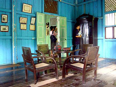 ภายในพิพิธภัณฑ์พระยารัษฎาฯ มีข้าวของเครื่องใช้ของพระยารัษฎาอยู่อย่างครบถ้วน