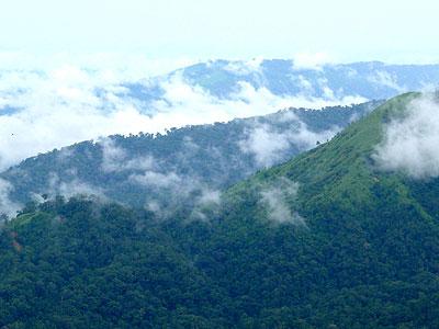 สายหมอกลอยปกคลุมขุนเขาแห่งเทือกเขาตะนาวศรี(มองจากเนินช้างศึก)