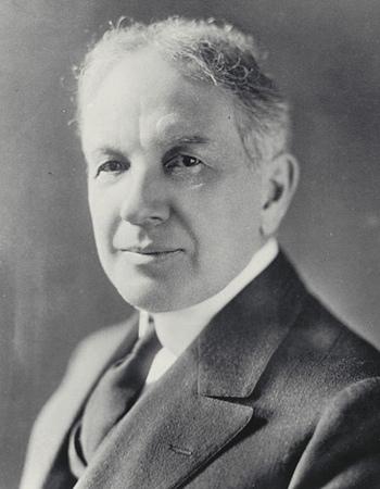 วิลเลียม คราโป ดูแรนท์ (William Crapo Durant)  ผู้ก่อตั้ง จีเอ็ม