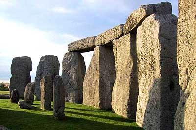 กลุ่มหินอันเป็นปริศนาตั้งอยู่กลางที่ราบSalisbury