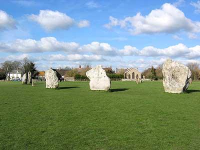 Stone Circles กับหมู่บ้าน Avebury