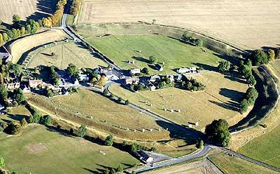 Avebury Stone Circles กว้างถึง 348 เมตร