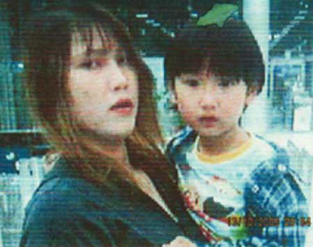 นางสุนันท์กับน้องโช ที่กล้องวงจรปิดในสนามบินสุวรรณภูมิบันทึกไว้เป็นภาพสุดท้าย