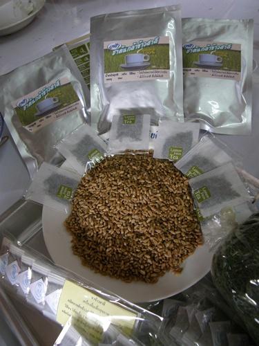 ผลิตภัณฑ์ชาข้าวสาลีบ้านผาคับ มีสรรพคุณต้านโรคเบาหวาน, ความดันโลหิต, มะเร็งลำไส้