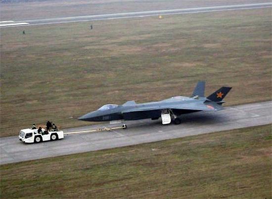 ชมคลิปวิดีโอ J-20 เครื่องบินล่องหนลำแรกของจีน ทดลองบินที่เฉิงตู