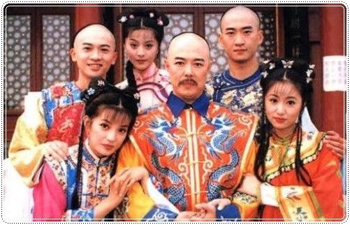 องค์หญิงกำมะลอชุดดั้งเดิม นำแสดงโดย เจ้าเวย หลินซินหยู ซูโหย่วเผิง