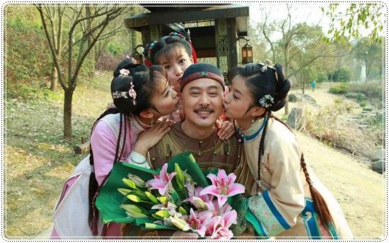 ชิวซินจื้อ แสดงเป็นฮ่องเต้เฉียนหลง
