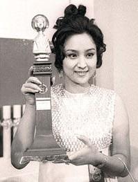 เจินเจินได้รับรางวัลนักแสดงนำหญิงยอดเยี่ยมจากเทศกาลหนังเอเชียครั้งที่ 17