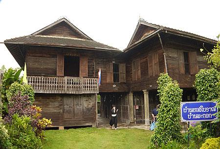 บ้านมะกอก บ้านยองโบราณที่หาชมได้ยากยิ่ง