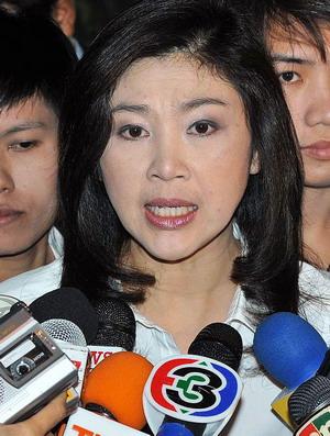 รัฐบาลนางสาวยิ่งลักษณ์ ชินวัตร ถูกโจมตีอย่างหนักจากหลายภาคส่วนโดยเฉพาะเหล่านักธุรกิจต่อแผนรับมืออุทกภัยครั้งเลวร้ายของไทย
