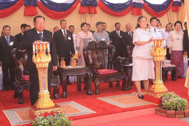 สมเด็จพระเทพฯ เสด็จเป็นองค์ประธานเปิดสะพานมิ ตรภาพไทยลาว 3