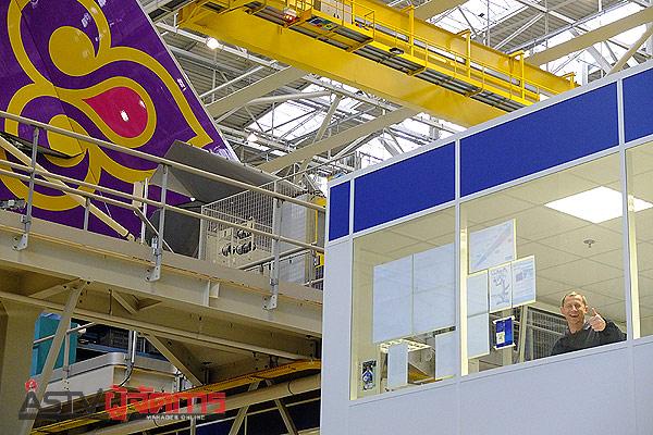 เครื่องบินแอร์บัส เอ380-800 ของการบินไทยในสายการประกอบขั้นสุดท้ายที่เมืองตูลูส ฝรั่งเศส โดยแอร์บัสระบุว่าน่าจะสามารถส่งมอบอย่างเป็นทางการได้ภายในช่วงกลางปี 2555