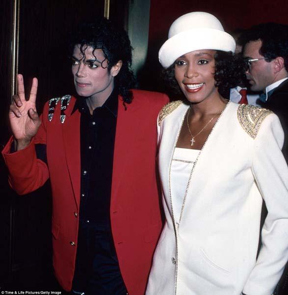 วิตนีย์ และ ไมเคิล สองศิลปินผิวสีผู้เปลี่ยนแปลงวงการเพลงในยุค 80s และจากไปด้วยปัญหาชีวิตมากมายใกล้เคียงกัน