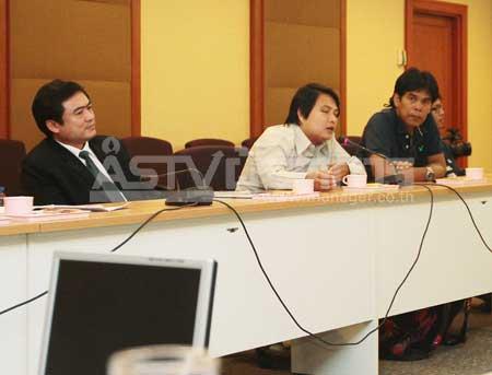 ตร.เรียก 2 ช่างภาพไทยพีบีเอส-ผู้จัดการ ให้ปากคำกรณีถูกทำร้ายร่างกายในม็อบ เสธ.อ้าย