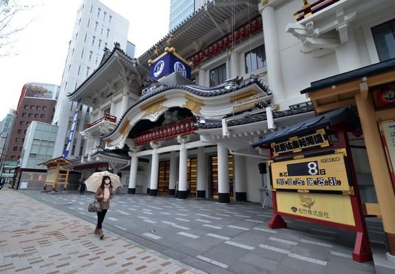 เปิดโรงละครคาบูกิสุดไฮเทค-อนุรักษ์ศิลปะแห่งชาติด้วยความทันสมัย