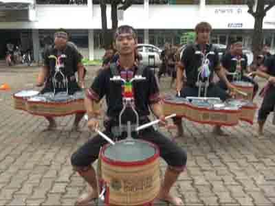 ลุ้นเชียร์! อีสานดรัมไลน์บายผดุงนารี หนึ่งเดียวของไทยแข่งขันตีกลองนานาชาติที่อเมริกา
