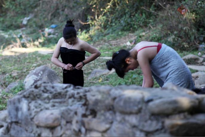 ได้เวลาไปชำเลืองๆ ดู สาวๆ ชาวไทดำแก้ผ้าอาบน้ำปีใหม่ในเวียดนาม