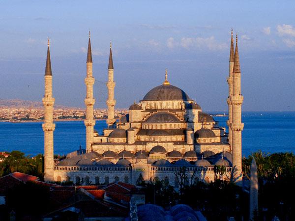 Istanbul (ภาพจาก www.iises.net)