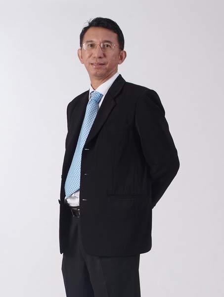 อานนท์ ทับเที่ยง ประธานสาขาการจัดการโทรคมนาคมและบรอดคาสติ้ง (TBM) บัณฑิตวิทยาลัยการจัดการและนวัตกรรม (GMI) มหาวิทยาลัยเทคโนโลยีพระจอมเกล้าธนบุรี (มจธ.)
