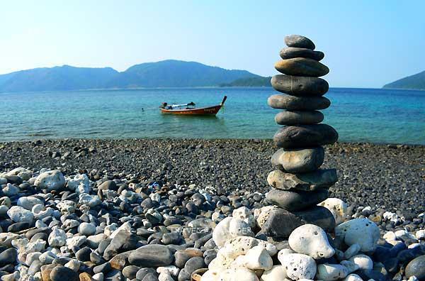 เกาะหินงามกับความเชื่อเรื่องการเรียงหิน
