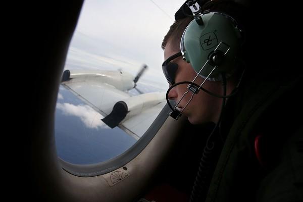 ปฏิบัติการค้นหาชิ้นส่วนเที่ยวบิน MH370 โดย RAAF Airbourne Electronics  ในมหาสมุทรอินเดียใต้ (เอเอฟพี)