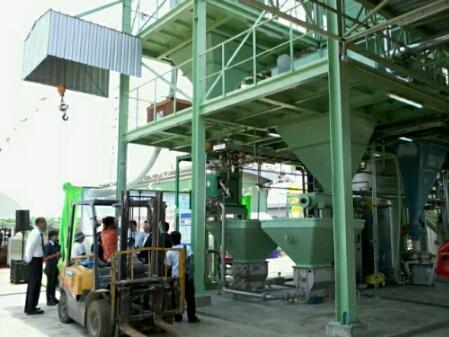 ส่วนหนึ่งของโรงงานต้นแบบผลิตเอทานอล