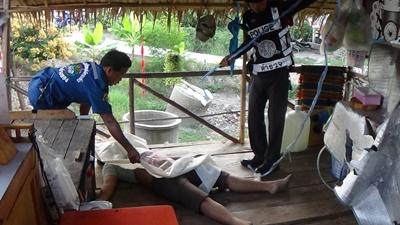 หนุ่มวัย 20 ปีนอนตายปริศนาสภาพน้ำลายฟูมปากหลังกลับจากร้านเหล้า