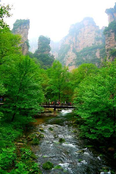 ลำธารแส้ม้าทอง ณ บริเวณที่ชาวจีนเชื่อว่าศักดิ์สิทธิ์