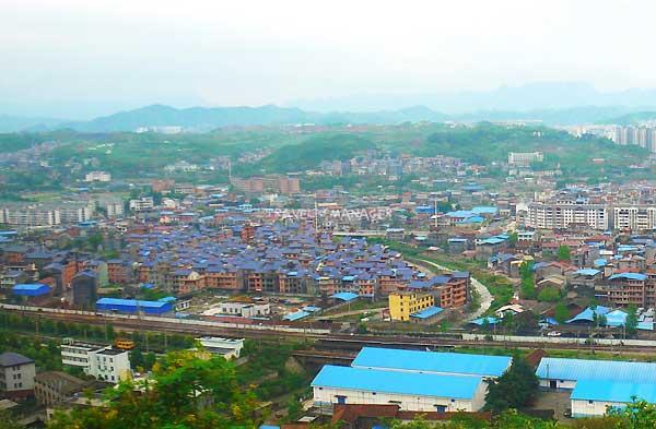 เมืองจางเจียเจี้ยในอ้อมกอดของขุนเขา