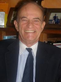 ดับเบิลยู สกอตต์ ธอมป์สัน ศาสตราจารย์กิตติคุณทางด้านการเมืองระหว่างประเทศ แห่งวิทยาลัยนิติศาสตร์และการทูตเฟลตเชอร์ มหาวิทยาลัยทัฟต์ส