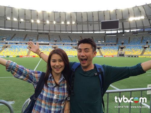 ดาราสาวฮ่องกงไม่ถือโดนนักบอลอังกฤษจับนมเพราะเกย์กันทั้งทีม