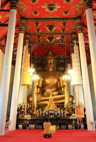 พระศรีศากยมุนีศรีธรรมราช ประดิษฐานอยู่ในพระวิหารหลวง