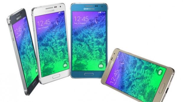 Galaxy Alpha มาพร้อมหน่วยความจำภายใน 32 GB แต่ไม่รองรับการเสียบไมโครเอสดีการ์ดเพิ่มเติม