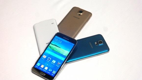 Galaxy S5 รุ่น 16 GB ราคาเริ่มที่ 586.99 เหรียญสหรัฐ (ราว 19,000 บาท)