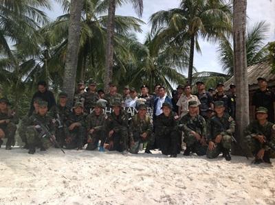 ทหารสนธิกำลัง เจ้าท่าฯ และป่าไม้จ.ตราด บุกตรวจสอบเกาะขามหลังพบนายทุนบุกรุกที่ดิน-ป่าไม้-ทะเล