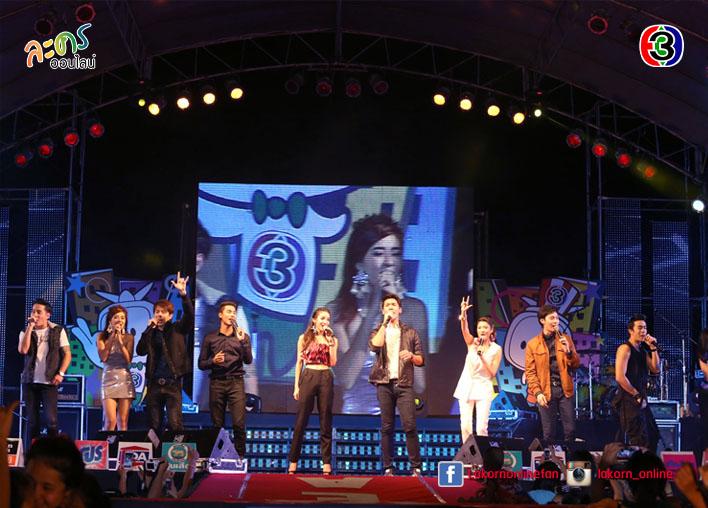 """""""มาร์กี้"""" นำทีมร่วมสร้างความสุข ในคอนเสิร์ต channel 3 power team จ. สมุทรสาคร"""
