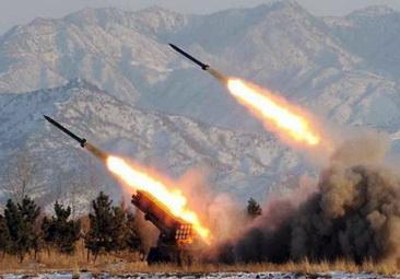 """""""โสมแดง"""" ยิงจรวดพิสัยใกล้ 3 ลูกป่วนเกาหลีใต้ ก่อนถึงวันหยุดเทศกาล """"ชูซ็อก"""""""