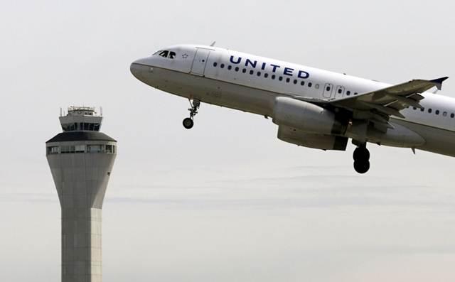 FBI สั่งเที่ยวบินยูไนเต็ด แอร์ กลับลำกลางอากาศมายังวอชิงตัน เหตุแม่ลักพาตัวลูกชาย