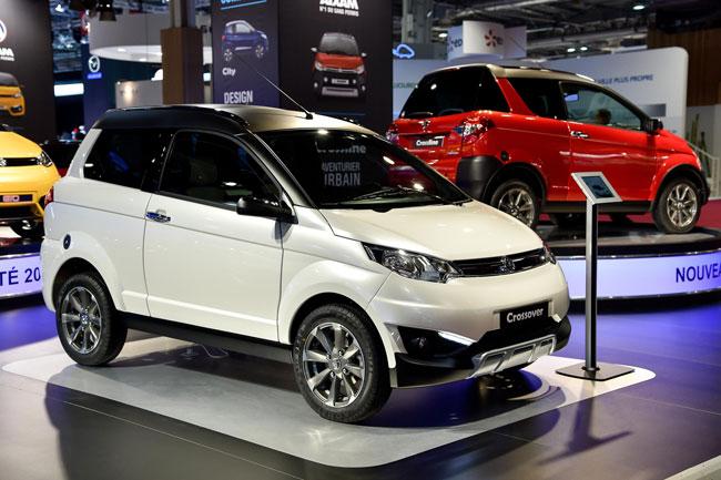 ผลผลิตของ Aixam มีทั้งรถยนต์ไซส์เล็กที่คุ้นเคยไปจนถึงตัวลุยยกสูงอย่างรุ่น Crossover คันสีขาว