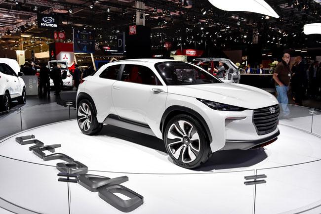 ต้นแบบทรงสปอร์ตรุ่นใหม่ล่าสุดของค่าย Hyundai อย่างรุ่น Intrado สามารถเรียกความสนใจได้เป็นอย่างดี