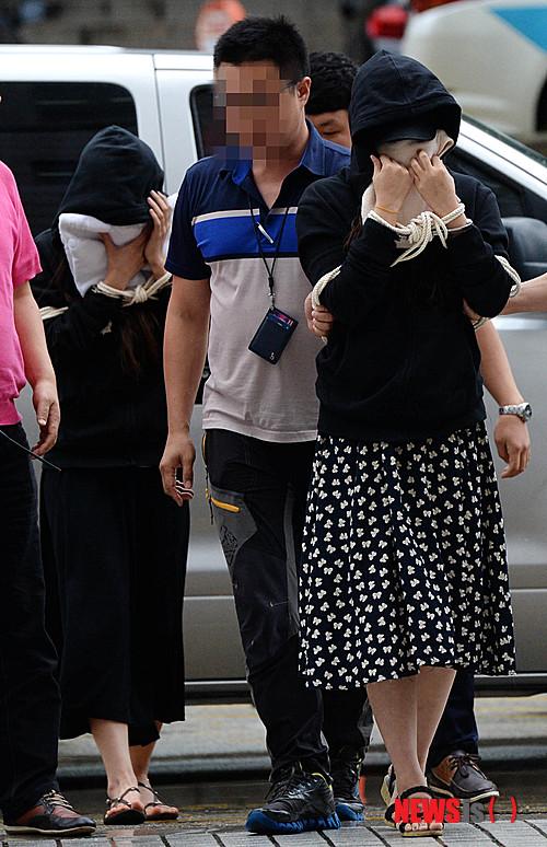 """เริ่มต้นพิจารณาคดีแบล็คเมล์ """"อีบยองฮอน"""" คู่กรณีอ้างพระเอกดังเสนอบ้านแลกเซ็กส์ก่อน"""