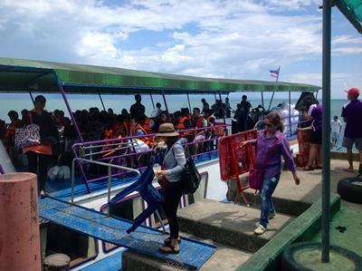นักท่องเที่ยวไทย-เทศ เดินทางท่องเที่ยวเกาะกูด-เกาะหมาก อย่างคึกคัก
