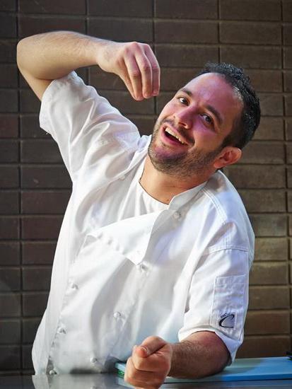 เชฟปีเตอร์ มานิฟิส จากห้องอาหาร InContro ประเทศออสเตรเลีย