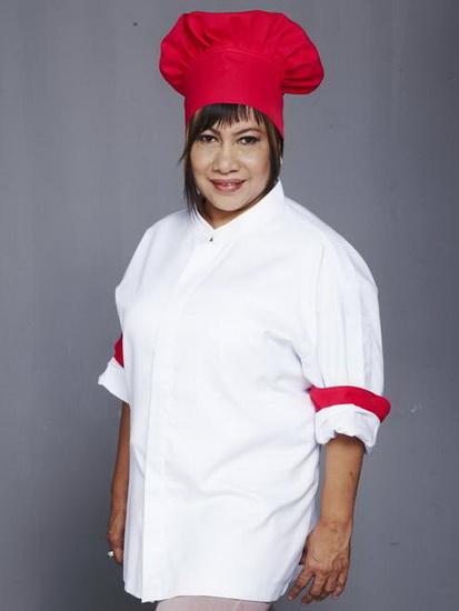 เชฟนูรอ โซ๊ะมณี สเต็ปเป้ จากห้องอาหารและโรงเรียนสอนทำอาหาร Blue Elephant