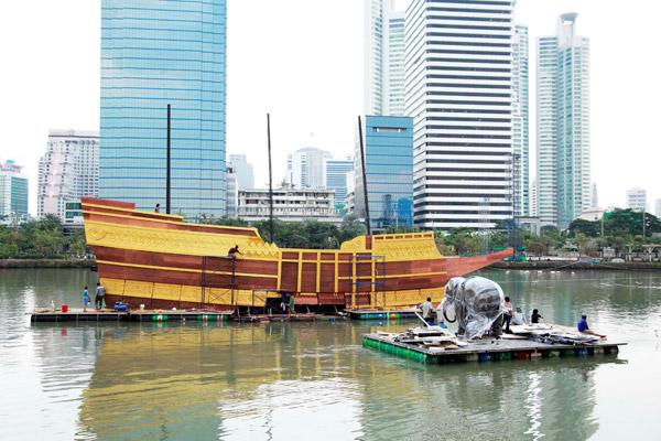 เรือที่ใช้ประกอบการแสดง