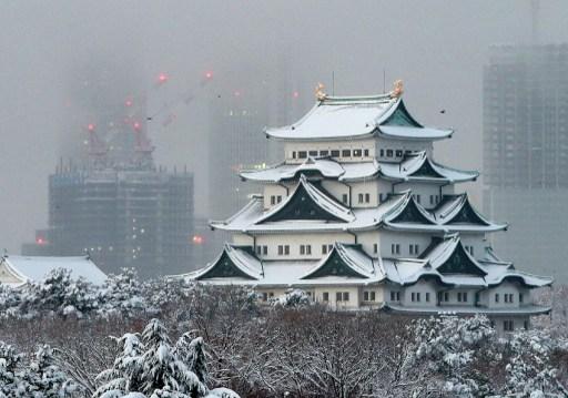 ปราสาทนาโงย่าของญี่ปุ่นถูกปกคลุมด้วยหิมะ