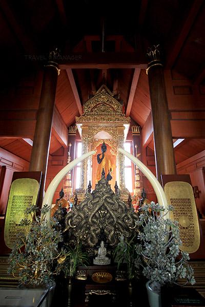 พระศรีสุคตนบุรี ภายในวิหารพระเจ้ากือนา